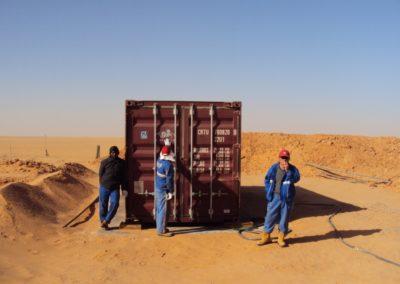 البايوكونتينر لمخيم لاستخراج النفط في صحراء في جنوب ليبيا